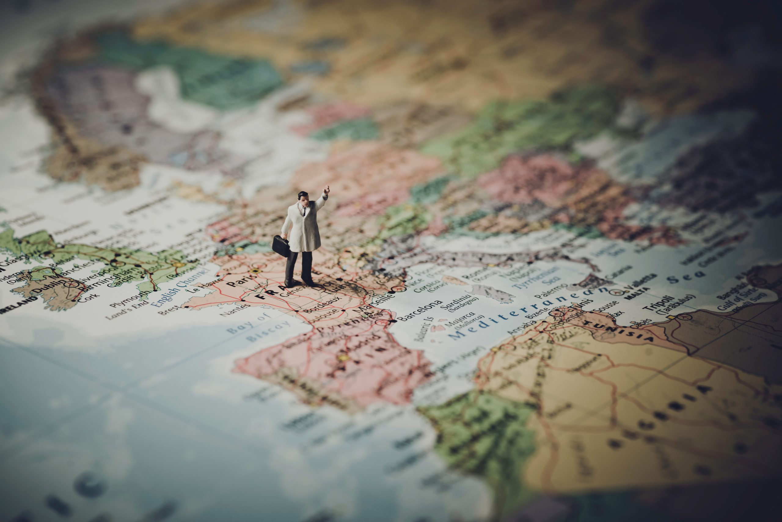 You are currently viewing 10 Key Statistics About Long Distance Relationships